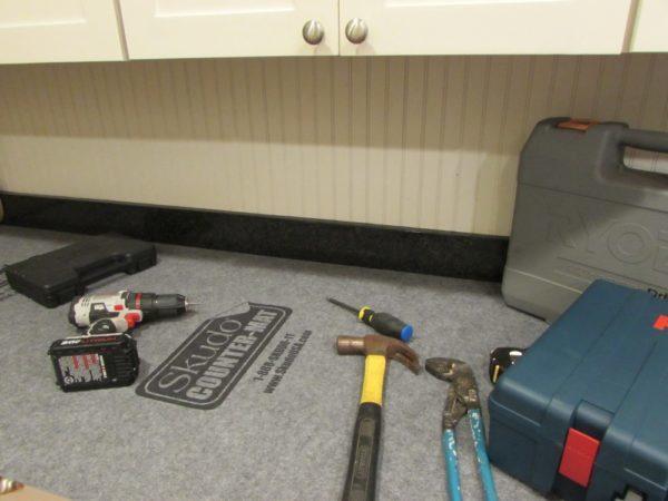 "Skudo Temporary Surface Protection Counter Mat 27"" X 82'"